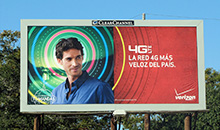 Verizon targets spanish speaking people with a poster billboard.